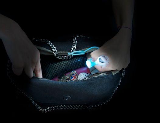 Led světýlko do kabelky modrá (B16)